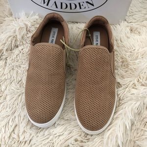 NWT Steve Madden Tan Laser Cut perforated Sneakers